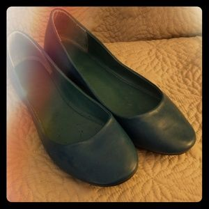 New Turquoise/Teal Flats